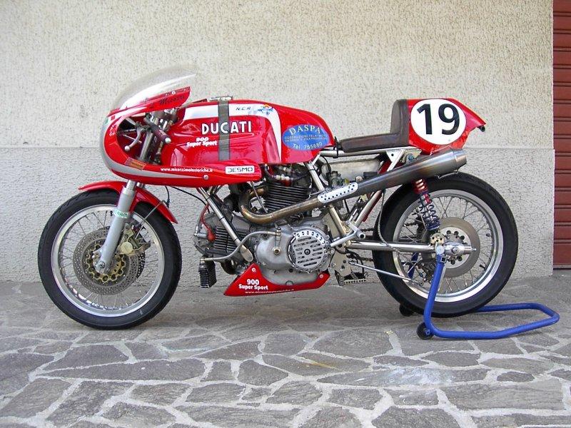 Ducati 900 Supersport Racebike