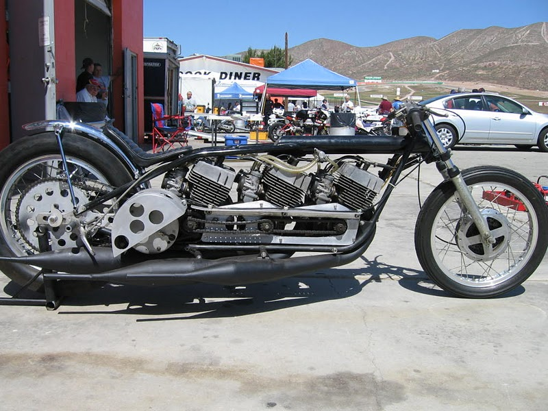 Insane triple engine yamaha r5 based 2 stroke drag racer for Yamaha drag bike