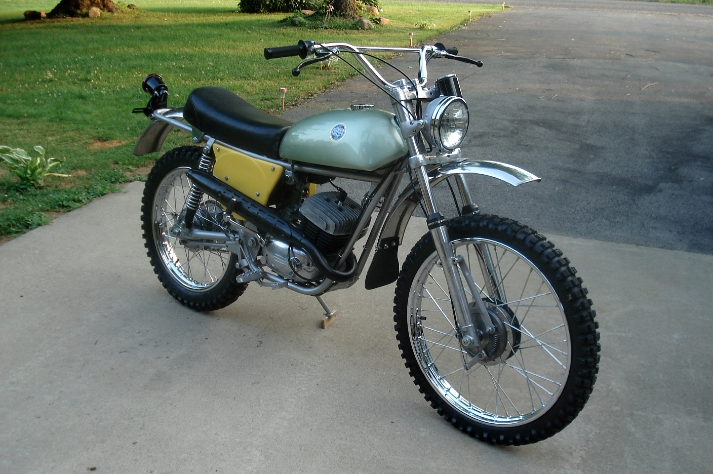 reader ride moto beta 125 premier enduro a stunning restoration from our old friend ted. Black Bedroom Furniture Sets. Home Design Ideas