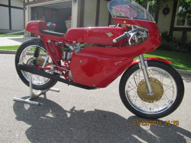 1965 Ducati 350 racer010