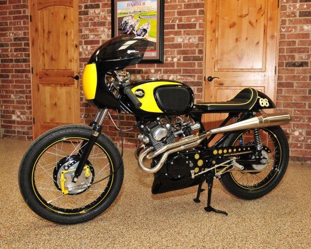 Honda '68 CB160 1