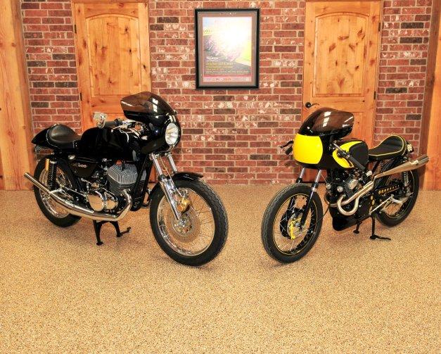 Suzuki GT500 & Honda CB160