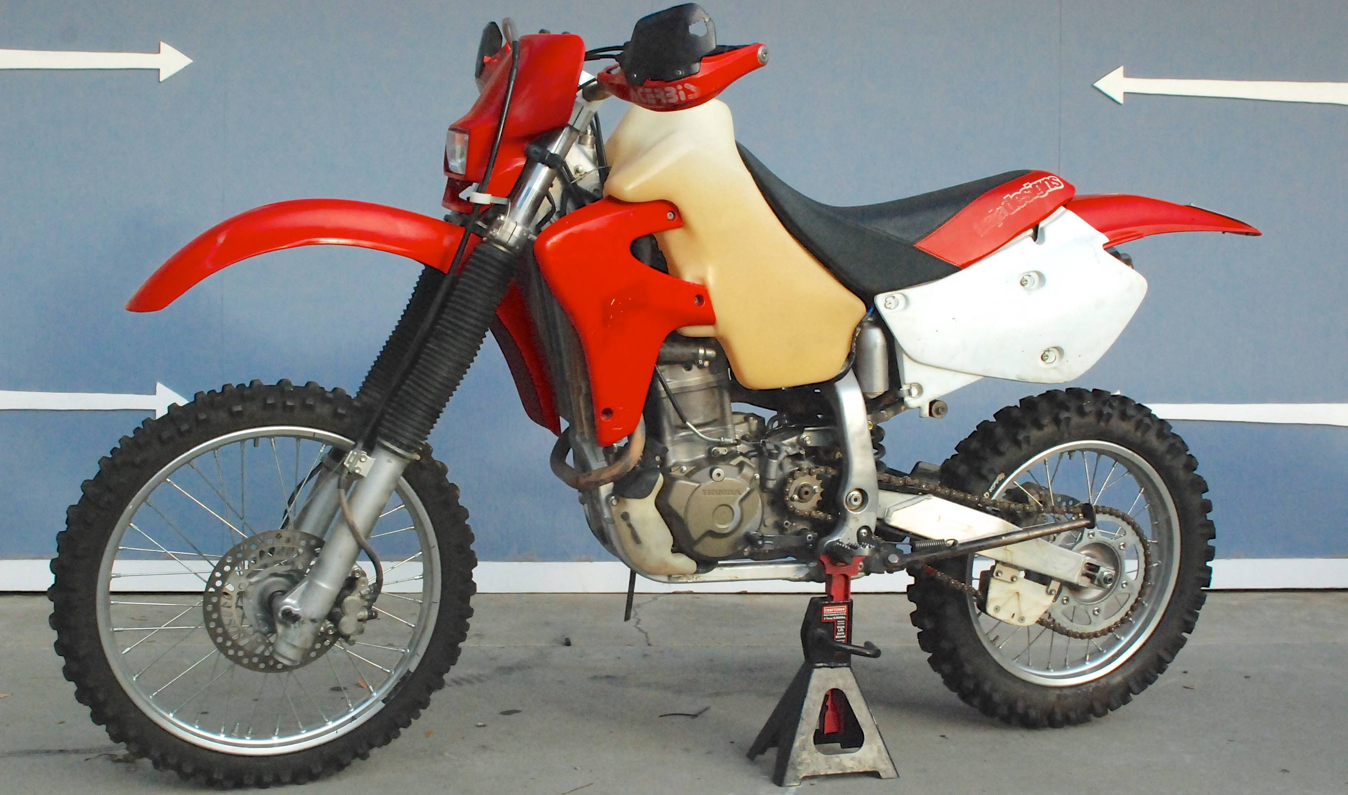 Honda's XR650 is a perfect motorcycle once you learn how to kick ...
