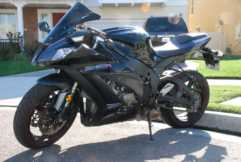 Kawasaki ZX10R | Motorcycle Photo Of The Day