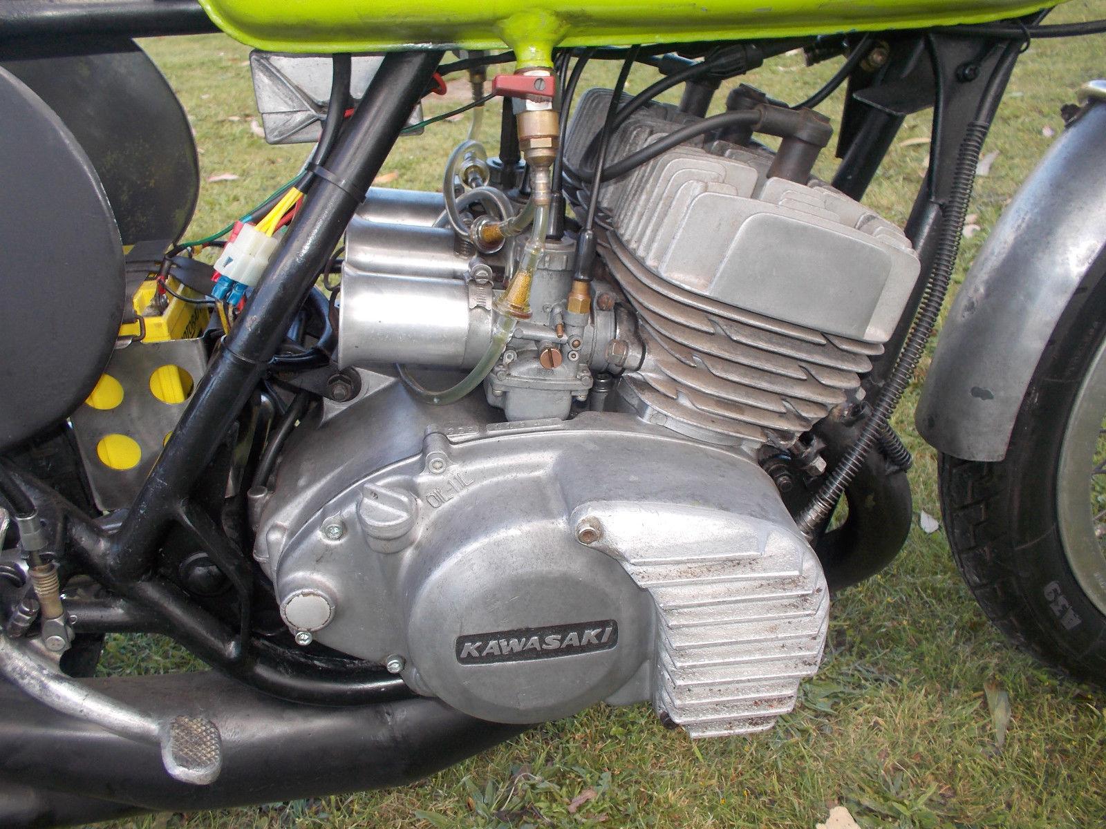 1972 KAWASAKI S2 350 TRIPLE RACE BIKE   Motorcycle Photo Of