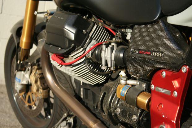 Moto Guzzi V11 Scura